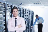 It enineers in network server room — Stockfoto