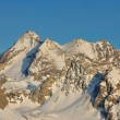 High mountains under snow in the winter — Stockfoto