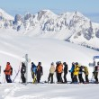 Foto Stock: Queue at ski lift