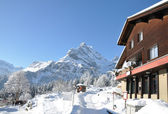 Majestueuze alpine weergave. zwitserland — Stockfoto