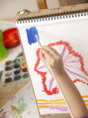 Child draws a picture — 图库照片