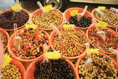 Olives on a market in the Provence — Stock Photo