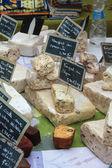 在市场上的奶酪 — 图库照片