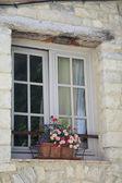 Ventana en la provenza, francia — Foto de Stock