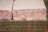 Grossi pezzi di torrone su un mercato francese — Foto Stock
