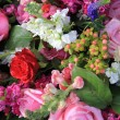 Mixed flower arrangement in bright colors — Stock fotografie