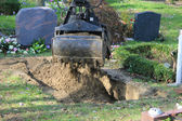 Gravedigger at work — Stock Photo