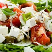Salada de legumes com queijo — Fotografia Stock
