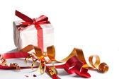 праздничного видеокассеты, подарок — Стоковое фото