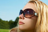 Portrait lady in sunglasses — Stock Photo