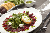 Beetroot salad with sauce — Stock Photo