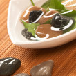Zen stones and leaves — Stock Photo