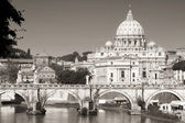 Vatican City from Ponte Umberto I in Rome, Italy — Stockfoto