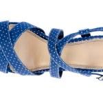 Mavi yüksek topuklu sandalet — Stok fotoğraf