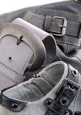 Fibbie grigie isolate su bianco — Foto Stock