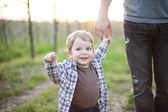 Father with little son outdoor portrait — Stockfoto