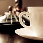 Coffee and keyboard — Stock Photo