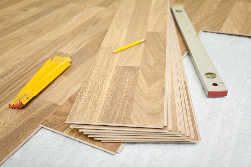 Laminate floor installation - home improvement — Stock Photo #8132155