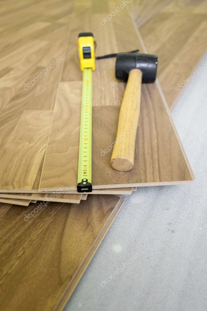Laminate floor installation - home improvement — Stock Photo #8132469