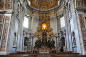 Altar in St Peters Basillica — Stock Photo
