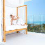 Woman enjoying tropical luxury — Stock Photo