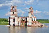 Destroyed church on the lake — Stock Photo
