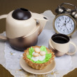 Breakfast at 12:00, coffee and cake — Stock Photo
