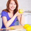Woman with lemons — Stock Photo