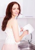 Lavar los platos mujer — Foto de Stock
