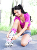 Mujer en patines — Foto de Stock