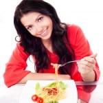 スパゲッティを食べる女性 — ストック写真