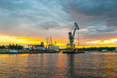 Floating crane — Stockfoto