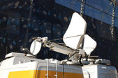 Mobile satellite dish — Stockfoto
