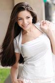 Portret van mooi meisje. — Stockfoto