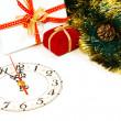 decoratie met een klok en Kerstmis geschenken — Stockfoto