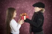 Giving gift — Foto de Stock