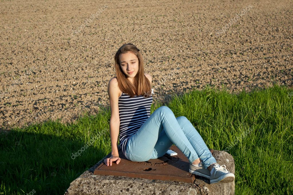 Schattig tienermeisje stockfoto 10542276 - Tiener meisje foto ...