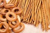 Palitos de pan y pan anillo — Foto de Stock