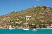 Temiz su, karayip adası, yat ve tekne — Stok fotoğraf