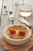 Quiche with asparagus and tomatoes — Stock Photo