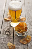 Homemade crispy potato chips — Stock Photo