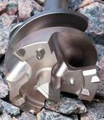 De boor voor openingen voor de industriële perforatie op gravel — Stockfoto