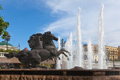 "Fountain ""Four seasons"" (horses), Manezhnaya Square, Moscow — Stock Photo"