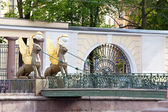 Russia. Saint petersburg. Bank bridge. Sculptures of Griffons. — Stock Photo