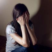 Depressed teenage girl — Stock Photo