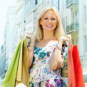 Attractive shopping woman — Stok fotoğraf