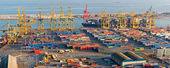 Cranes and Containers at the Port of Barcelona — Stock Photo