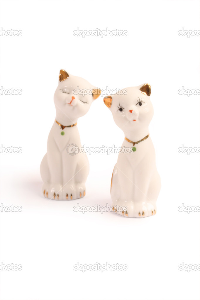 A beautiful pair of ornamental cats — Stock Photo #8564231