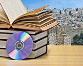 DVD and books — Stock Photo