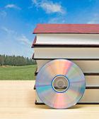 Böcker och dvd — Stockfoto